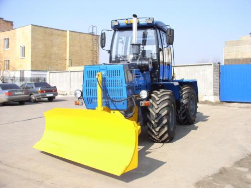 Трактор ОрТЗ-150К с бульдозерным оборудованием