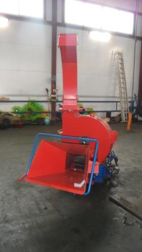 Серия 90; ИВН-1Г/Ø260(200) Измельчитель с гидроподачей навесной, привод ВОМ трактора.