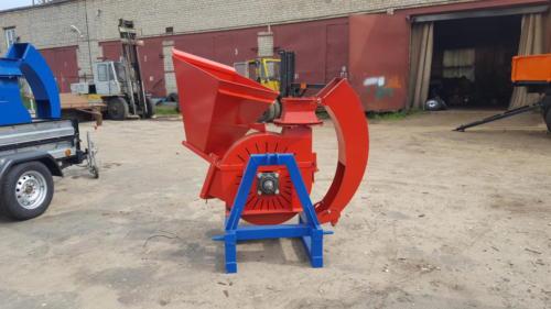 Серия 52;  ИВН-1/Ø200 Измельчитель навесной с приводом от ВОМ трактора