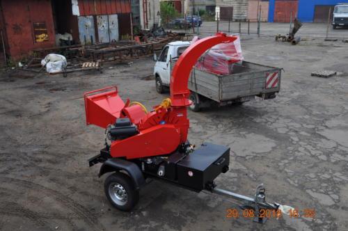 Серия 52; ПРМ200Г Прицепная Рубительная Машина с гидроподачей с приводом от ДВС бензин 35 л.с.