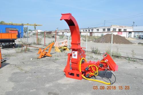 Серия 90; ИВН-1Г/Ø260(90) Измельчитель с гидроподачей навесной, привод ВОМ трактора.