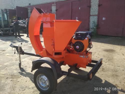 Серия 52; ПРМ160 Прицепная Рубительная Машина (к авто) с приводом от ДВС бензин 29л.с.