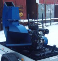 Серия 52; ИВН-2/Ø160/Ø200 Измельчитель с приводом от ДВС бензин 35л.с. на прицепе